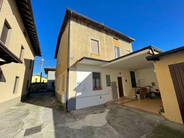 Appartamento in vendita a Cazzago San Martino, 3 locali, prezzo € 99.900 | CambioCasa.it