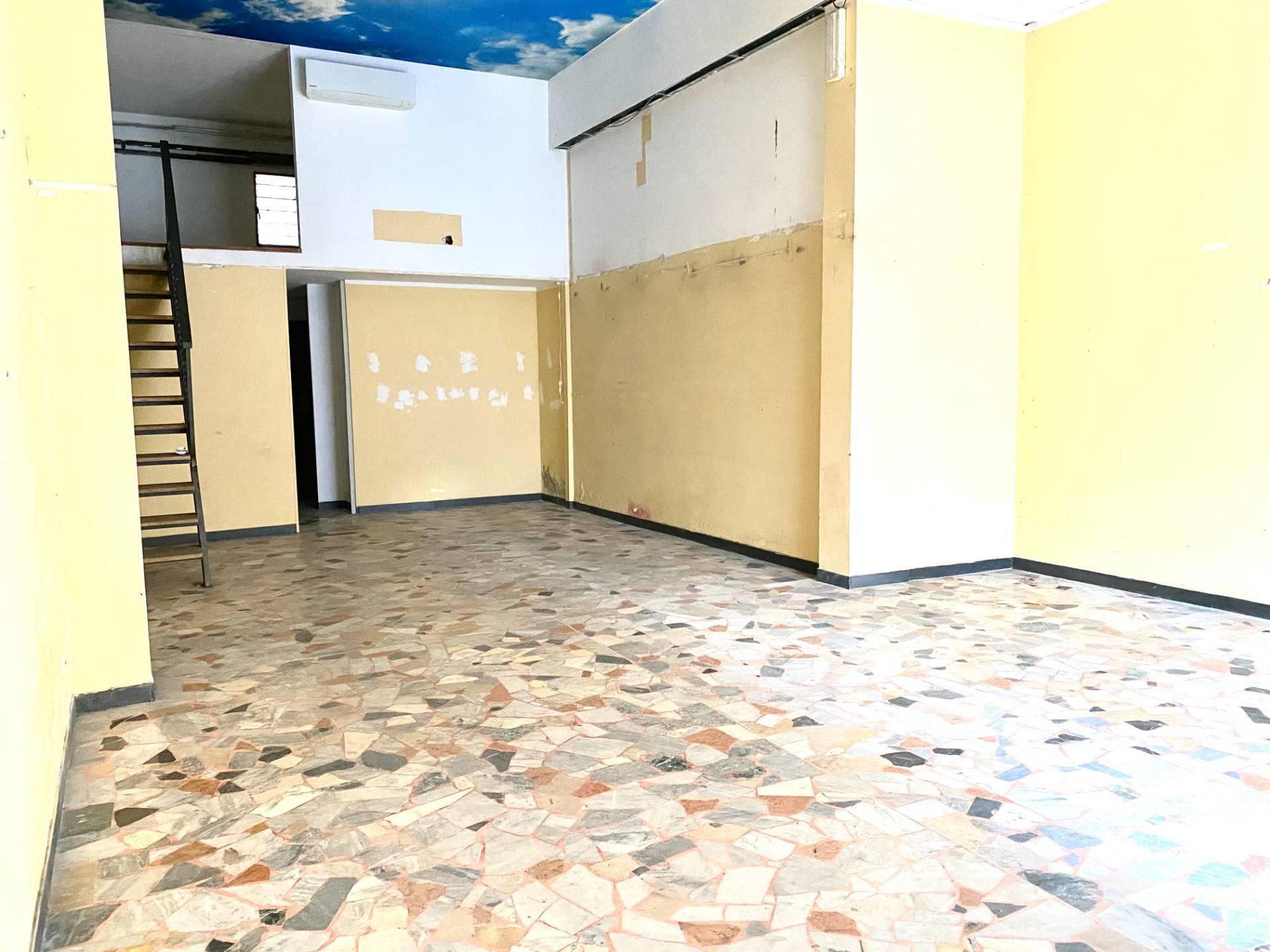 Negozio / Locale in affitto a Albisola Superiore, 9999 locali, zona Località: AlbisolaCapo, prezzo € 490 | PortaleAgenzieImmobiliari.it