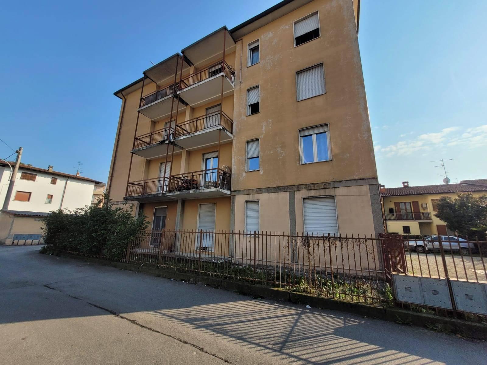 Appartamento in vendita a Villongo, 3 locali, prezzo € 75.000 | PortaleAgenzieImmobiliari.it