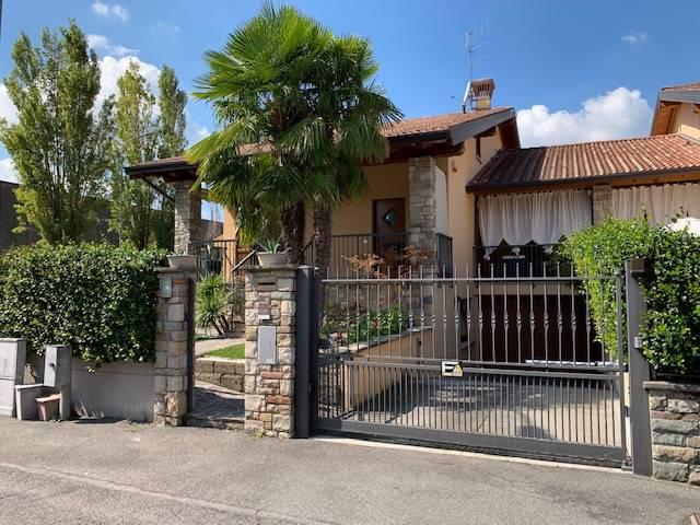 Villa in vendita a Erbusco, 7 locali, prezzo € 450.000   CambioCasa.it