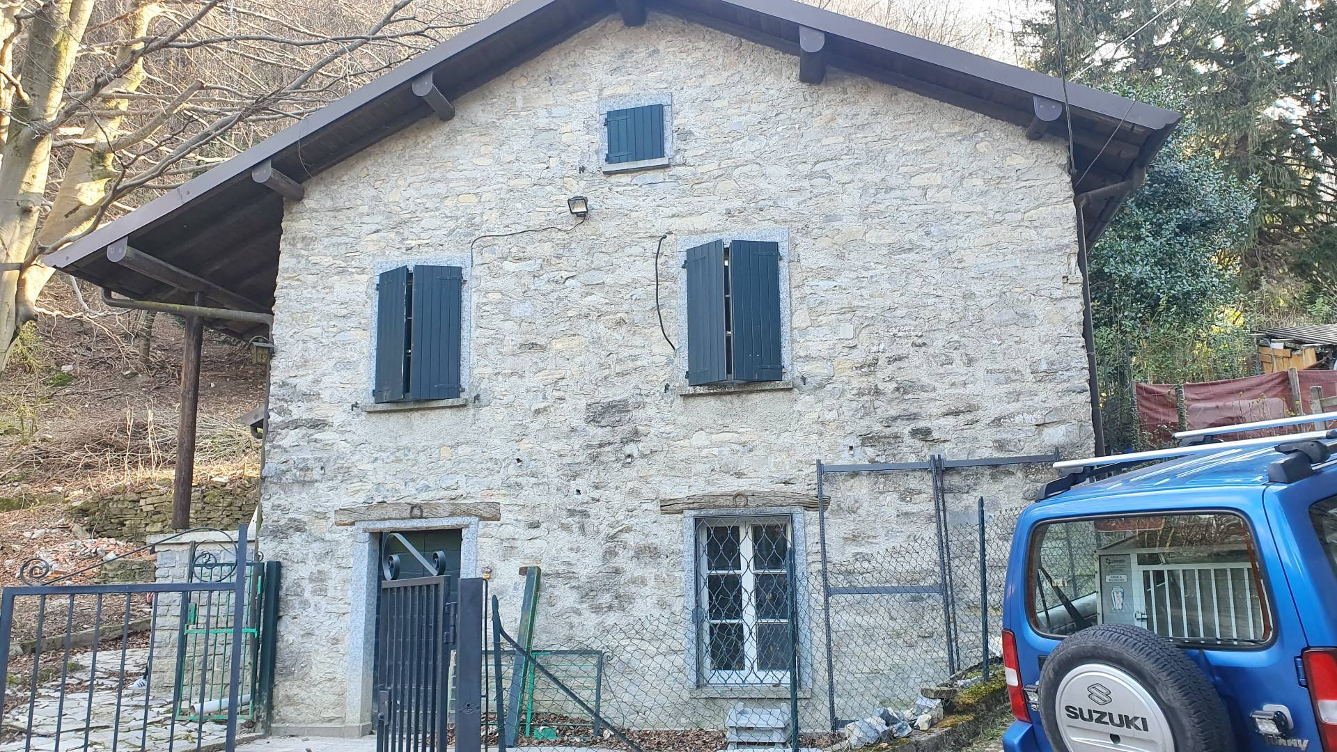 Casa indipendente in vendita a Torno (CO)