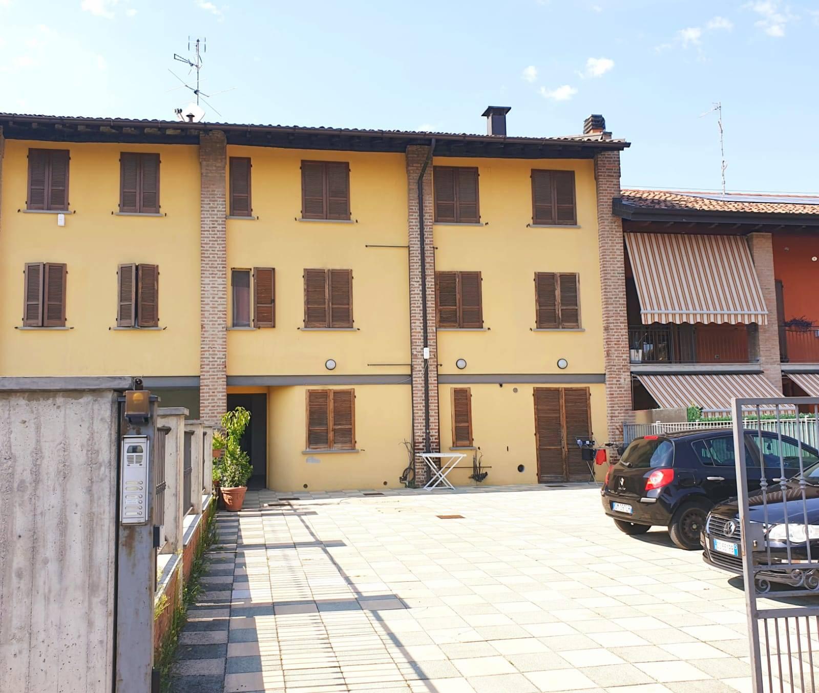 Appartamento in vendita a Castelli Calepio, 3 locali, prezzo € 115.000 | PortaleAgenzieImmobiliari.it