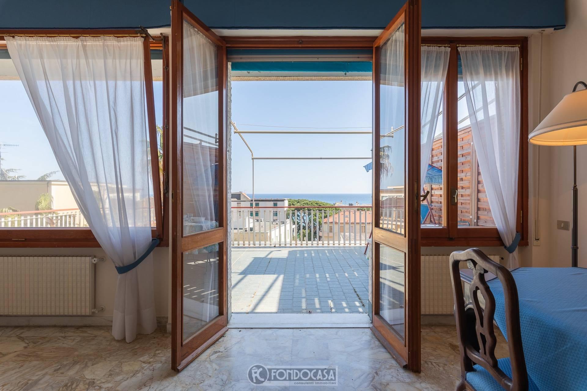 Attico / Mansarda in vendita a Alassio, 5 locali, prezzo € 950.000 | PortaleAgenzieImmobiliari.it