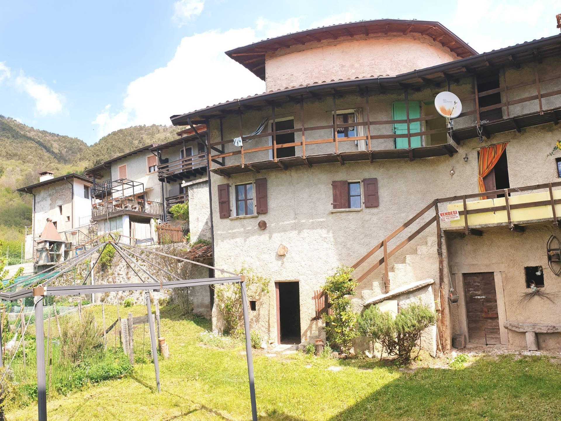 Soluzione Indipendente in vendita a Gargnano, 5 locali, zona Zona: Navazzo, prezzo € 99.000 | CambioCasa.it