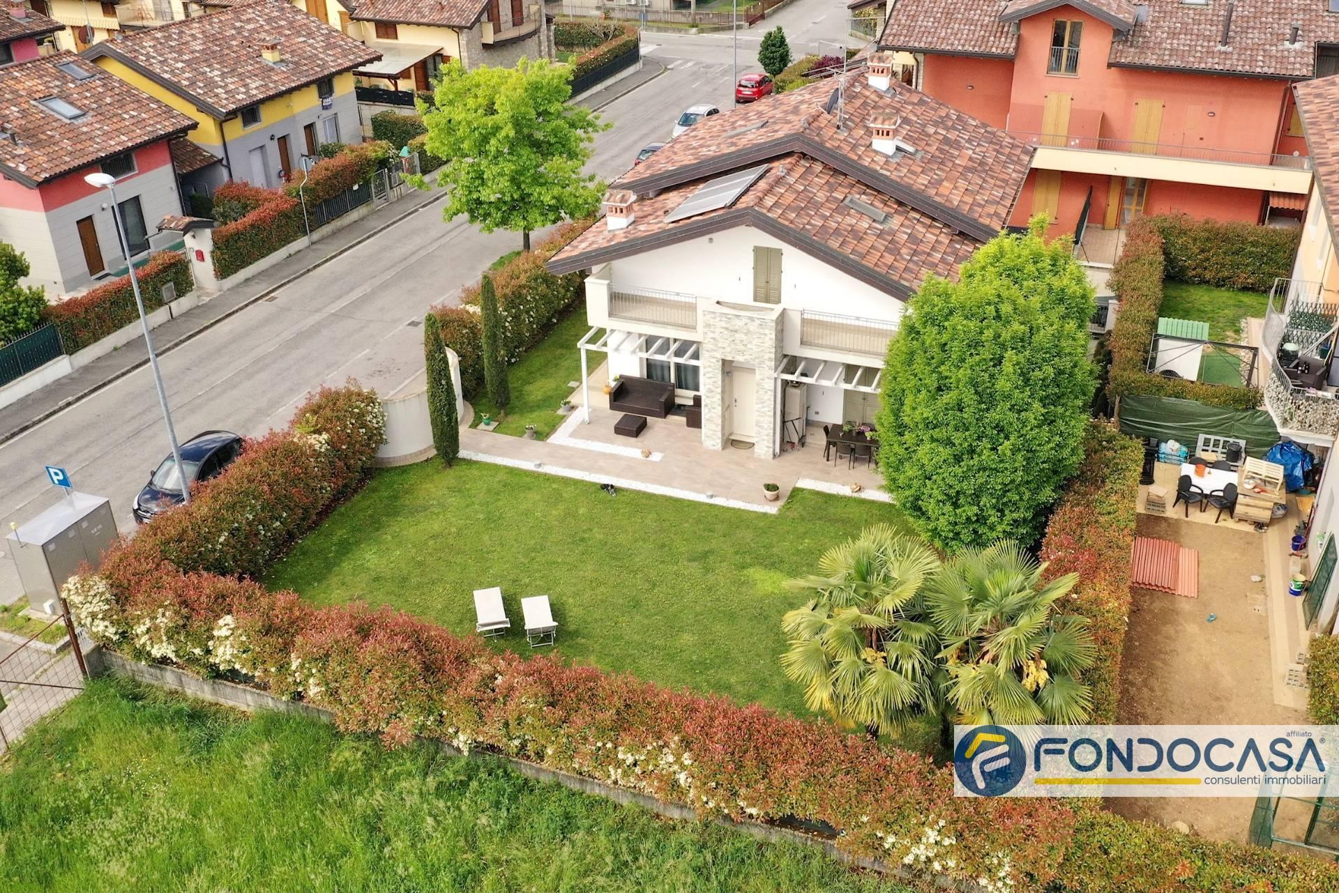 Villa in vendita a Comun Nuovo, 10 locali, Trattative riservate | PortaleAgenzieImmobiliari.it