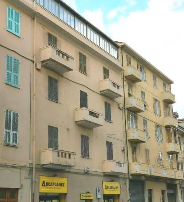 Appartamento in vendita a Imperia, 6 locali, prezzo € 295.000   PortaleAgenzieImmobiliari.it
