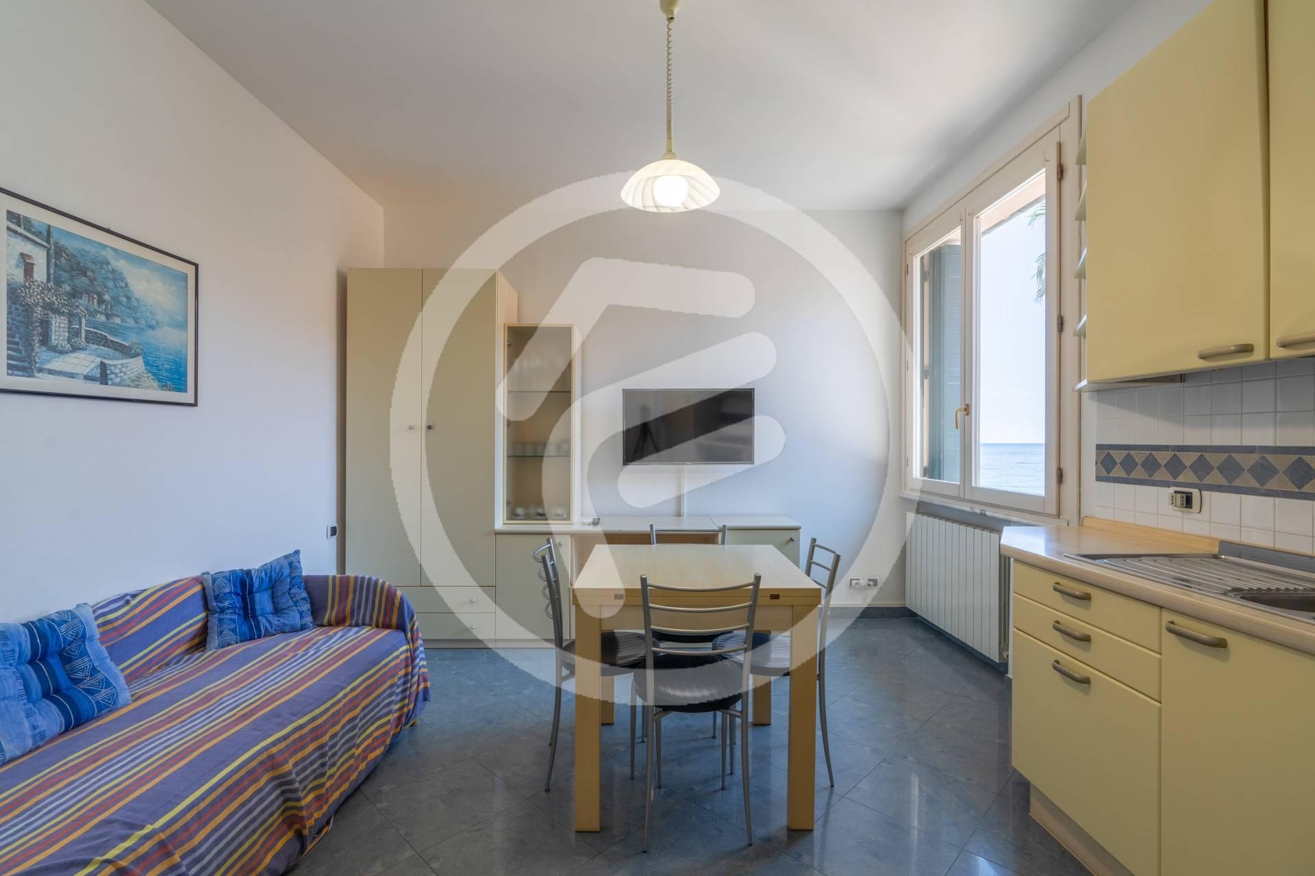 Appartamento in vendita a Laigueglia, 2 locali, prezzo € 790.000   CambioCasa.it