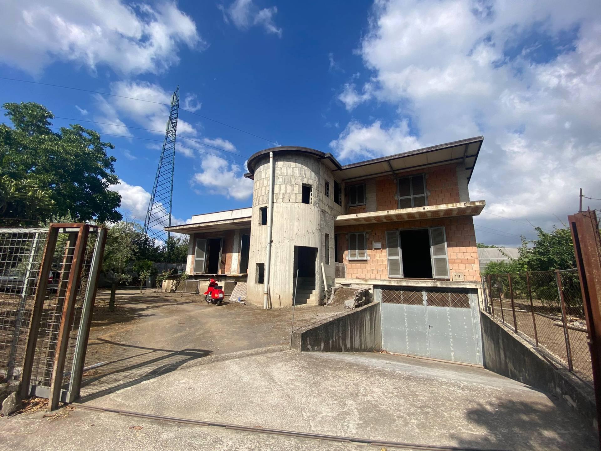 Soluzione Indipendente in vendita a Marigliano, 8 locali, prezzo € 330.000 | CambioCasa.it