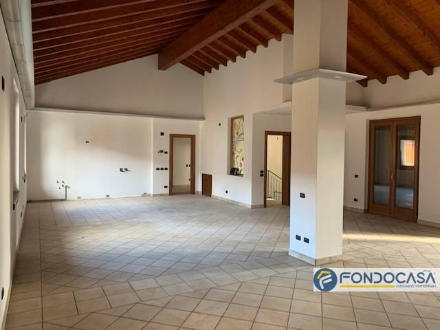 Attico / Mansarda in vendita a Palazzolo sull'Oglio, 4 locali, prezzo € 285.000   PortaleAgenzieImmobiliari.it
