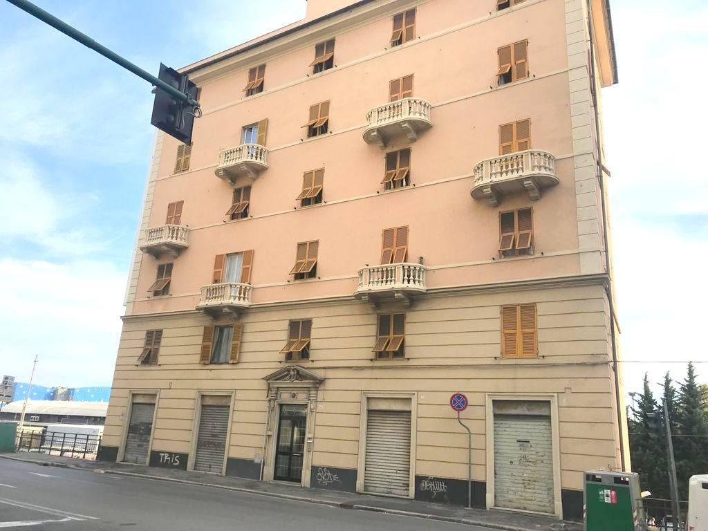 Fondo commerciale in 1 a Cornigliano, Genova (GE)
