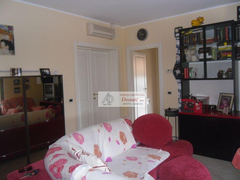 vendita appartamento montignoso   320000 euro  6 locali  120 mq