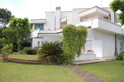 casa semindipendente in Affitto a Montignoso