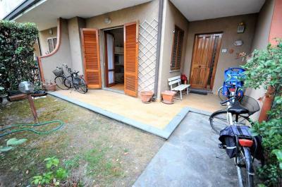 casa semindipendente in Vendita a Montignoso