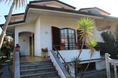 casa semindipendente in Vendita a Pietrasanta