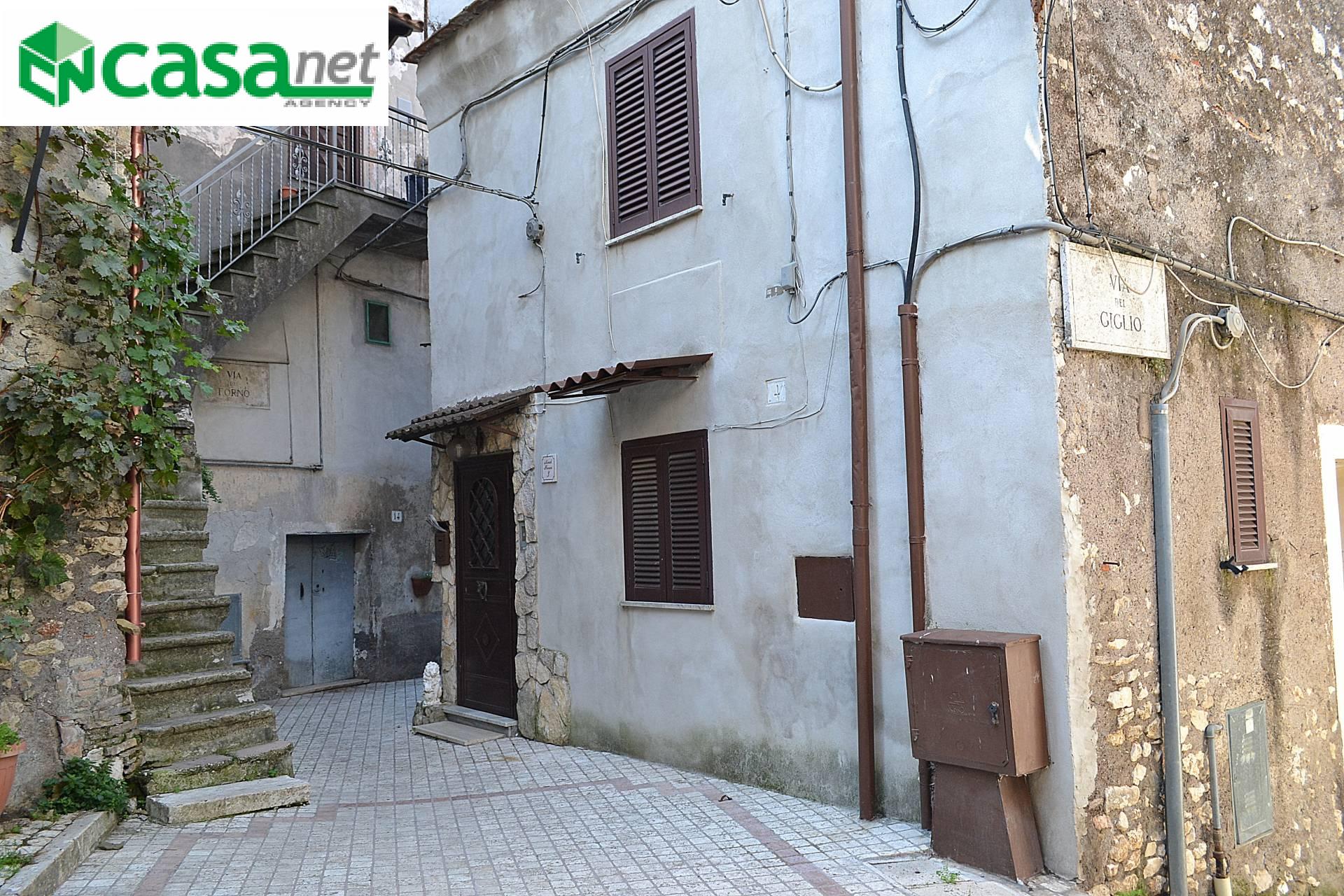 Appartamento in vendita a Sant'Angelo Romano, 3 locali, prezzo € 48.000 | CambioCasa.it
